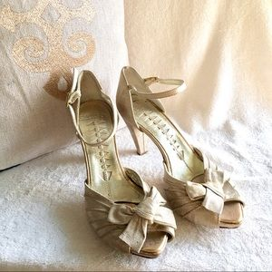 Made in Italy silk-o leather heels pumps 7.5